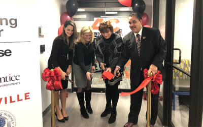 D'YOUVILLE, DA VINCI HOST RIBBON CUTTING FOR ACTIVE LEARNING CENTER CLASSROOM