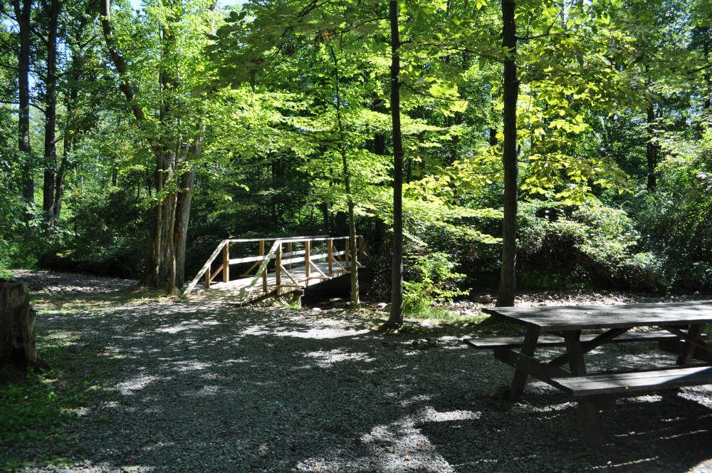 memorial-lake-bridge