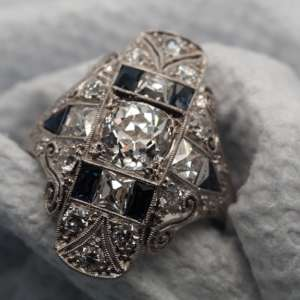 Art Deco vintage diamond and sapphire ring