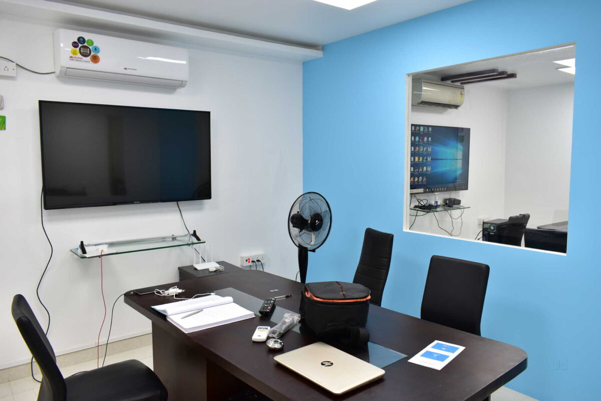 This image has an empty alt attribute; its file name is zeedup-technologies-and-services-mettukuppam-okkiyam-thoraipakkam-chennai-computer-training-institutes-nyctzcc-1200x800.jpg