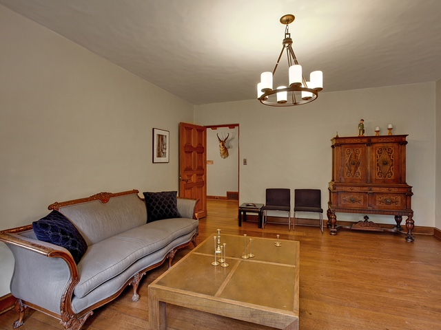 Taylor Made Retreat drug and alcohol rehab interior Living room