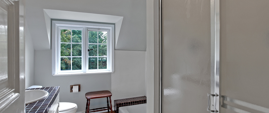Taylor Made Retreat Addiction recovery interior elegant bathroom