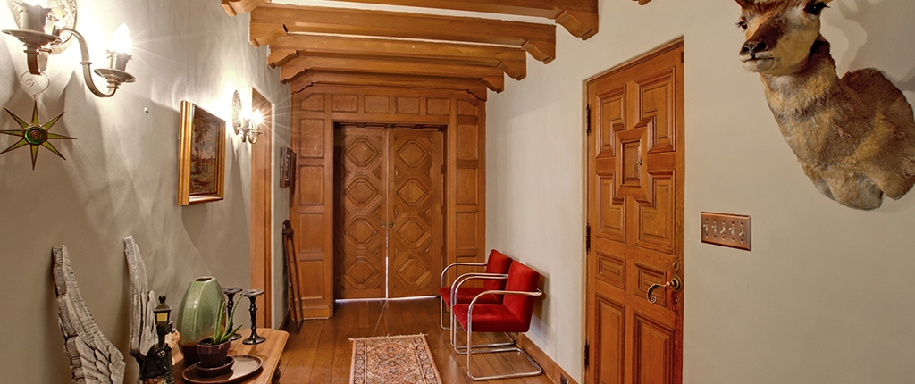 Taylor Made Retreat Addiction recovery entry hall in Portland Beaverton area