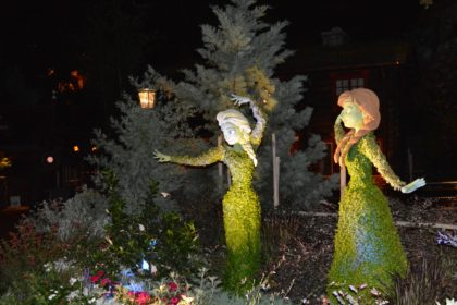 Anna and Elsa Welcome You to the Frozen Ever After Dessert Party in Epcot
