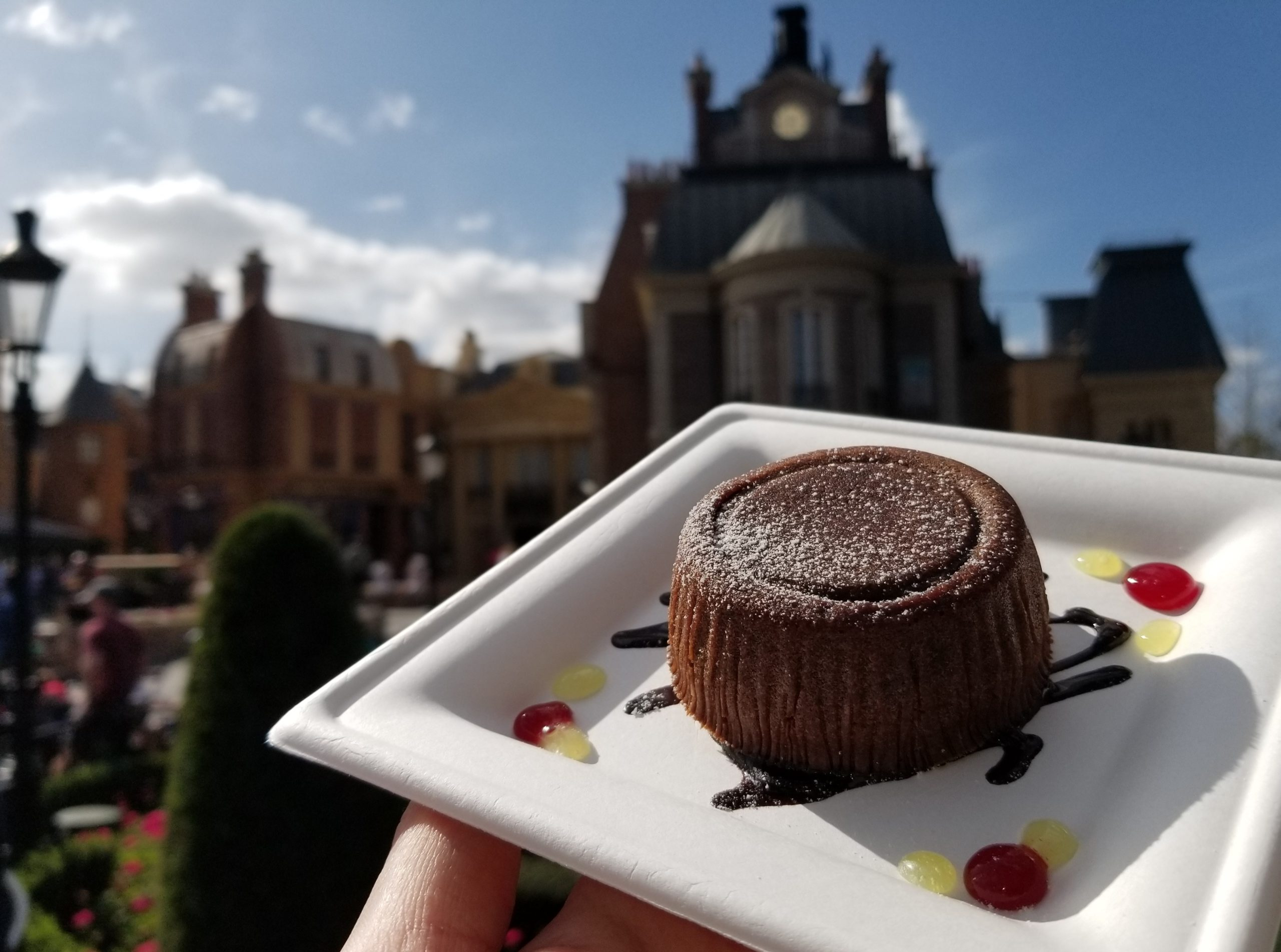Moelleux Aux Chocolats Valrhona: Molten Chocolate Cake with Pure Origin Valrhona Chocolates from L'Art du Cuisine Francaise in France
