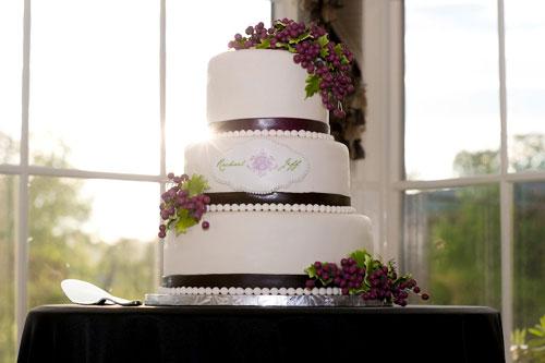 grapes-on-wedding-cake