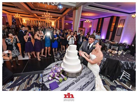 Cut the Wedding Cake at the Vie in Philadelphia