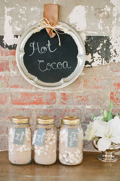 hot cocoa wedding favors