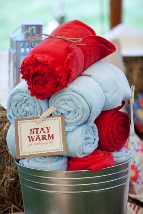 Blankets for Guests Winter Wedding