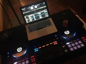 Crowd Pleasers DJ