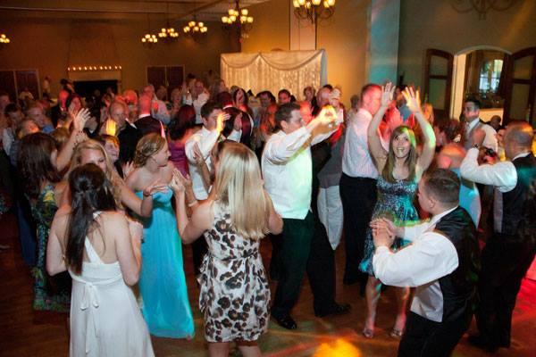 Lasting Impression - Lincoln NE Wedding DJs