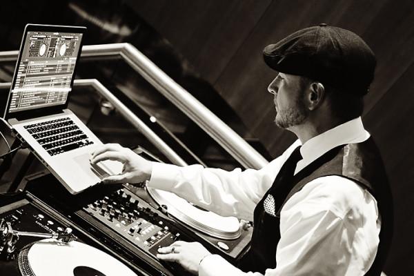 Nick Scott - Charleston WV Wedding DJ