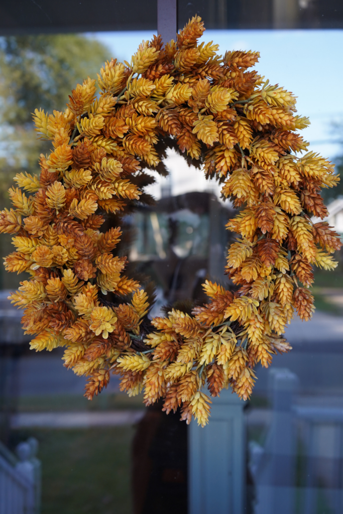 Simple Natural looking Fall Wreath