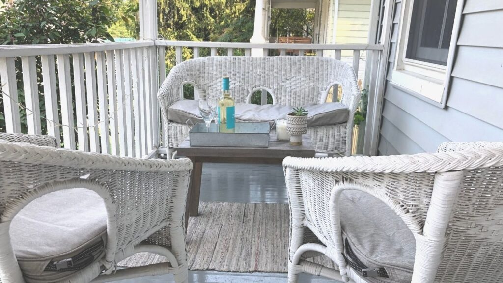 Front Porch Layout for Entertaining