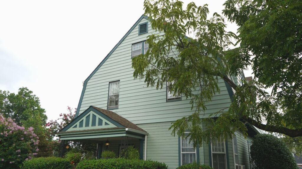 Dutch Colonial American House Style