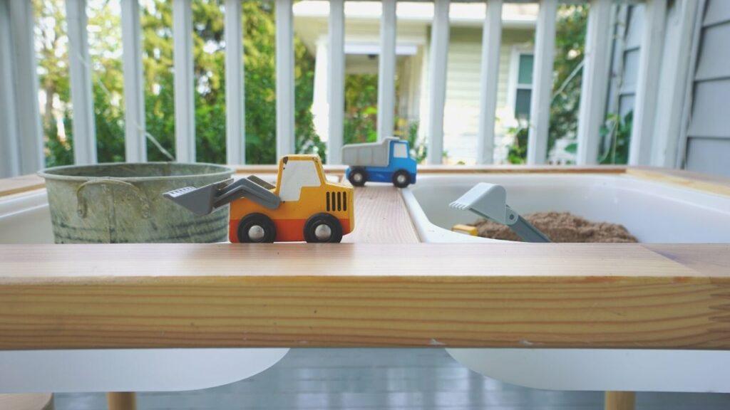 Kid Friendly Front Porch Flisat Table