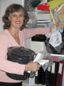 Hope Organizers, Inc. by Professional Organizer Janet Fishman, also known as the paper organizers, serves Los Angeles, Ventura, Santa Barbara, and Orange County, California. We offer paper management, daily money management, senior services, plus organizing and clutter management!