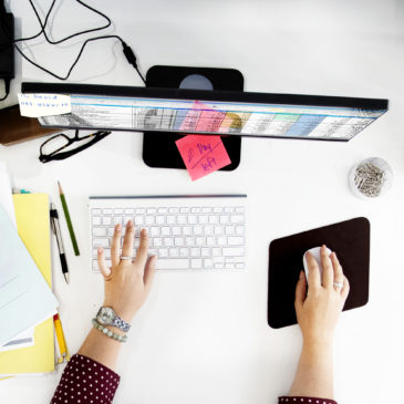 6 Tips on How to Start Decluttering Your Workspace