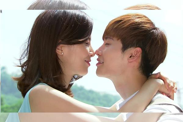 วิธีจูบ ให้ผู้ชายหลงและฟินสุด ๆ จูบยังไงมาดูกัน นิยามความรัก ทริคความรัก เพิ่มเติมความรู้เรื่องรักให้กับคุณ