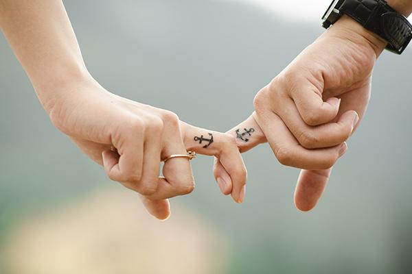 ระยะทางทำให้ความรักของเราลดน้อยลงได้จริงหรือ? นิยามความรัก ทริคความรัก