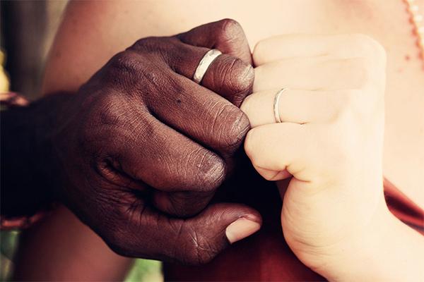"""""""หนักเบาก็ให้อภัยกัน"""" คำสอนชีวิตคู่สั้น ๆ ที่ต้องท่องจำให้ขึ้นใจ นิยามความรัก ทริคความรัก"""