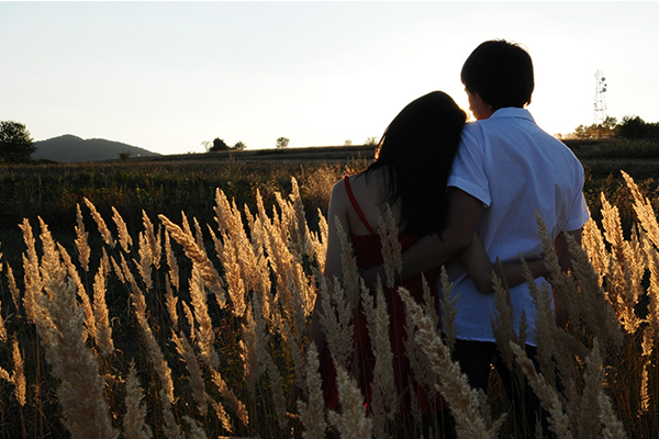 How To ปรับตัวให้เข้ากับแฟนของคุณที่มีสุขภาพอ่อนแอ นิยามความรัก ทริคความรัก
