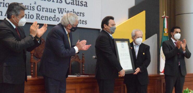 ENTREGA UAC DOCTORADO HONORIS CAUSA A ENRIQUE GRAUE WIECHERS Y JUAN ANTONIO RENEDO DORANTES