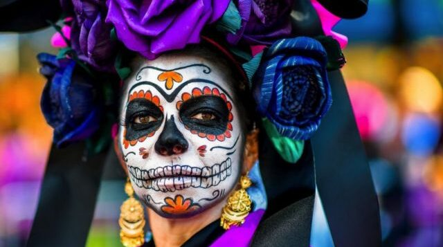 WHAT TO KNOW ABOUT THE VIBRANT TRADITIONS OF DÍA DE LOS MUERTOS