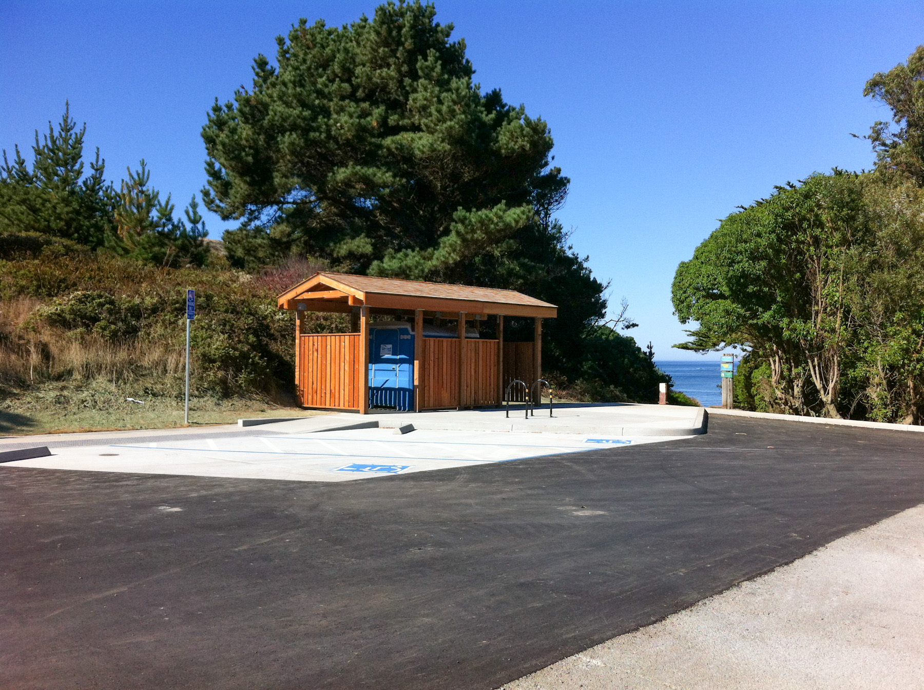 Agate Beach parking lot new restrooms