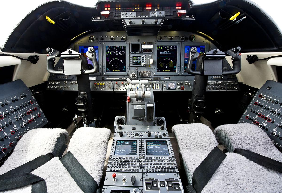 Learjet 60-XR Cockpit