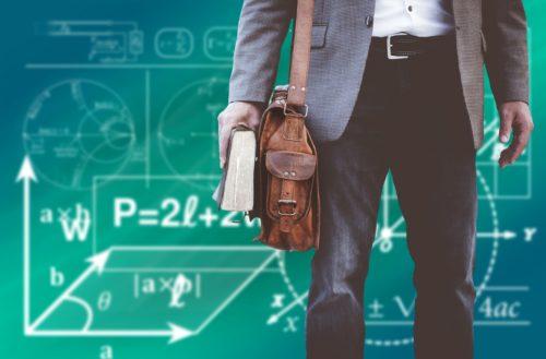 Qué es un Profesor y qué un Maestro