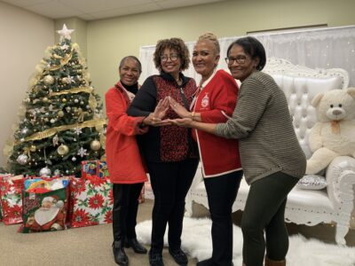 Prince George's County Chapter of Delta Sigma Theta Holiday Hope Volunteers