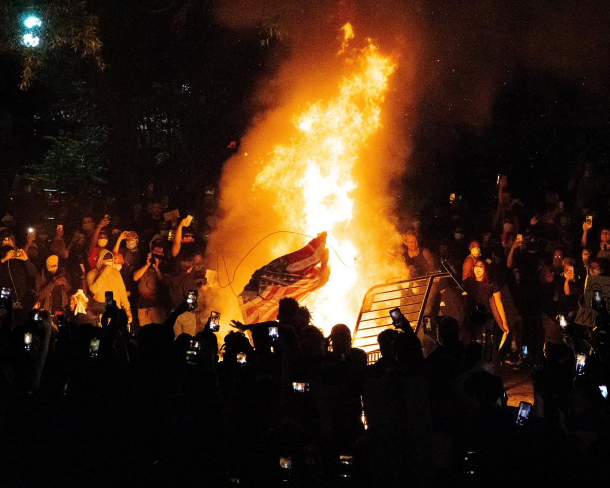 Rioters in Washington DC. Photo by Koshu Kunii on Unspash.