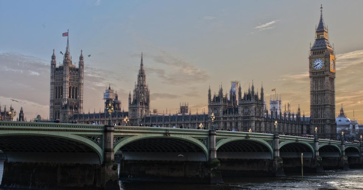 Parliament in England. Photo by Adam Derewecki from Pixabay.