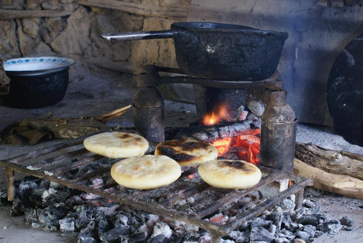 Cooking arapas in Venezuela. Photo by Víctor Jesús Carrasco on Unsplash.