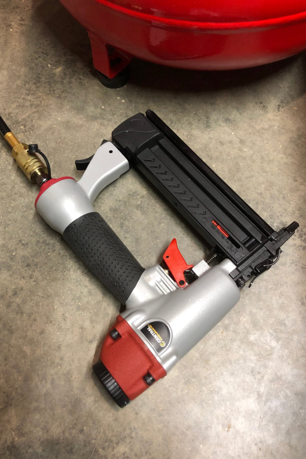 Product Review: The Central Pneumatic 2-in-1 Air Nailer/Stapler