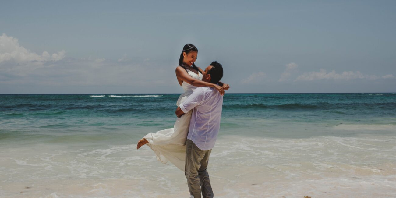 Trash the dress session Riviera Maya Cancun beach photoshoot paradise photo studio white dress on a beach