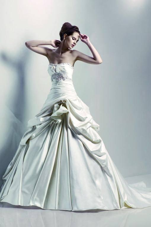 On Sale designer wedding gown