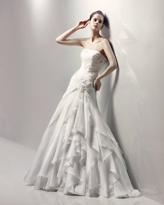 Designer Gown On Sale. Shop online wedding dress