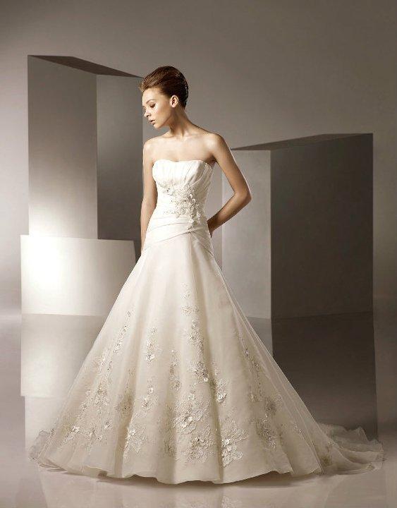 Beautiful wedding dress sale