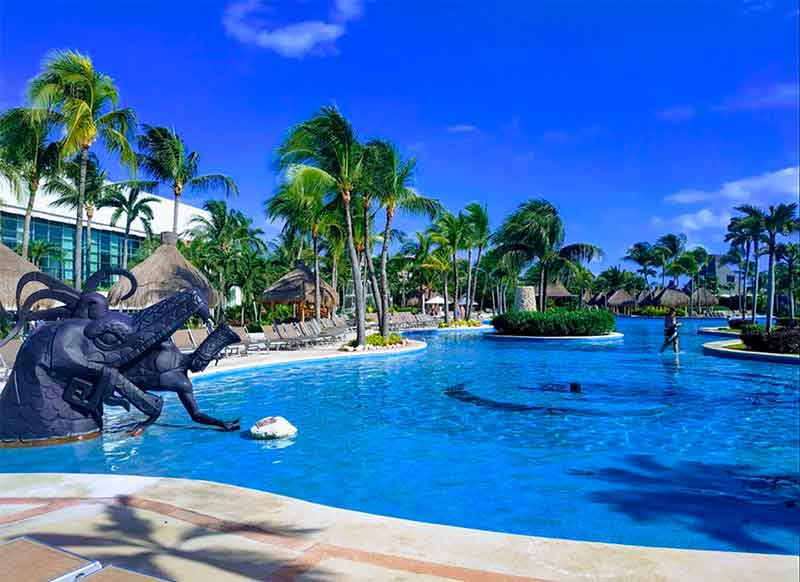 Mayan Palace Resort pool