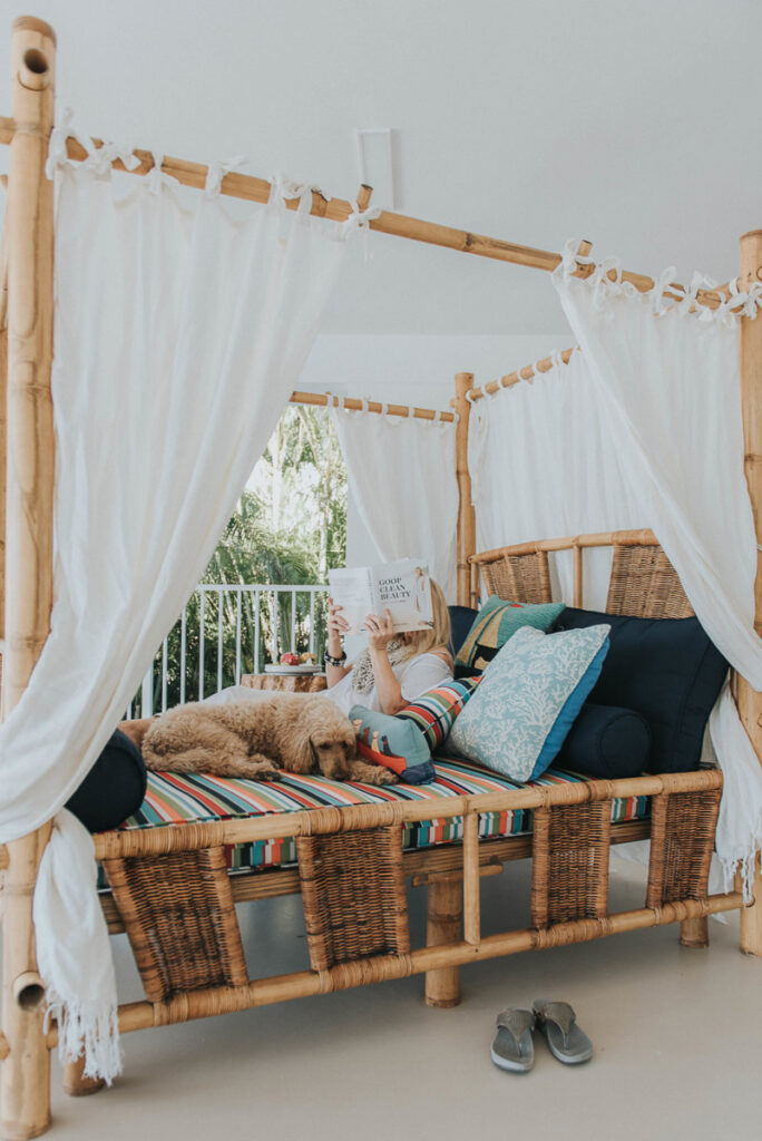 outdoor daybed in super grouper a florida keys vacation rental in marathon