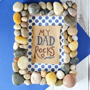 father-s-day-craft-frame-rocks-1619023509