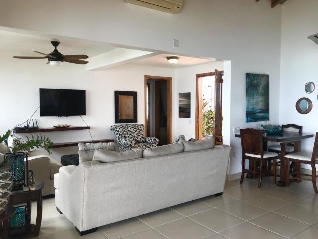 Ocean Front Villa - Image 08