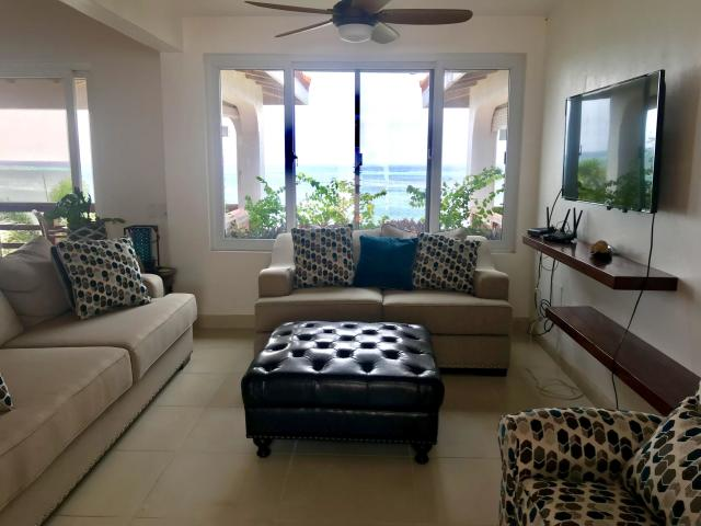 Ocean Front Villa - Image 09