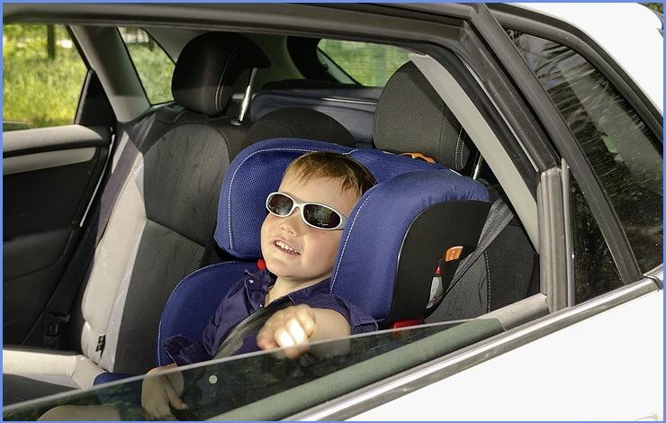 Toddler at car seat