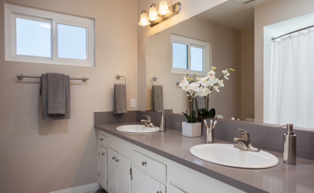 Dual vanity in bathrom at Washington Place