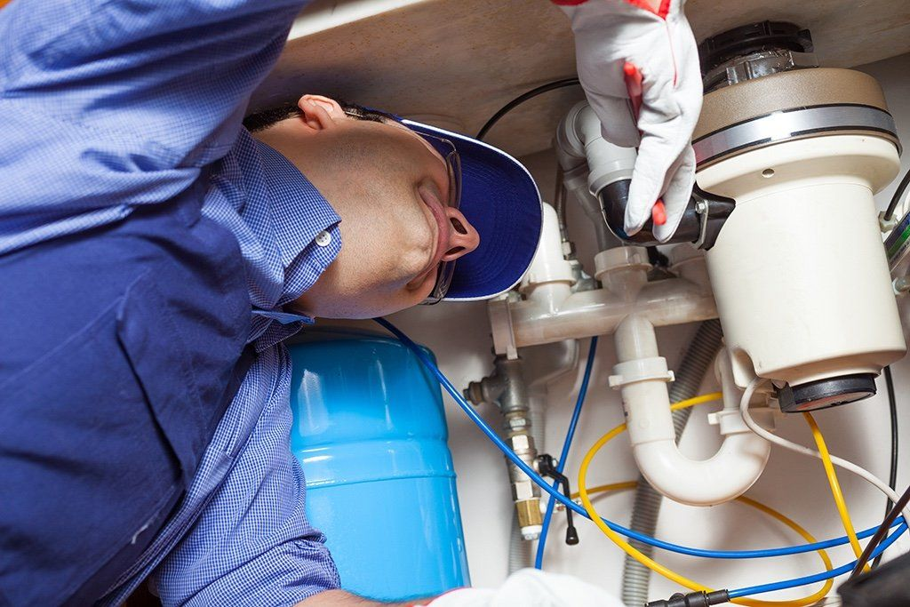 Common Garbage Disposal Issues    Tips from Your Tustin, CA Plumber