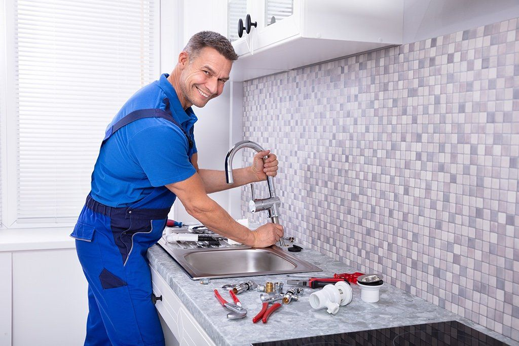 How Can You Choose the Right Plumber?   Santa Ana, CA