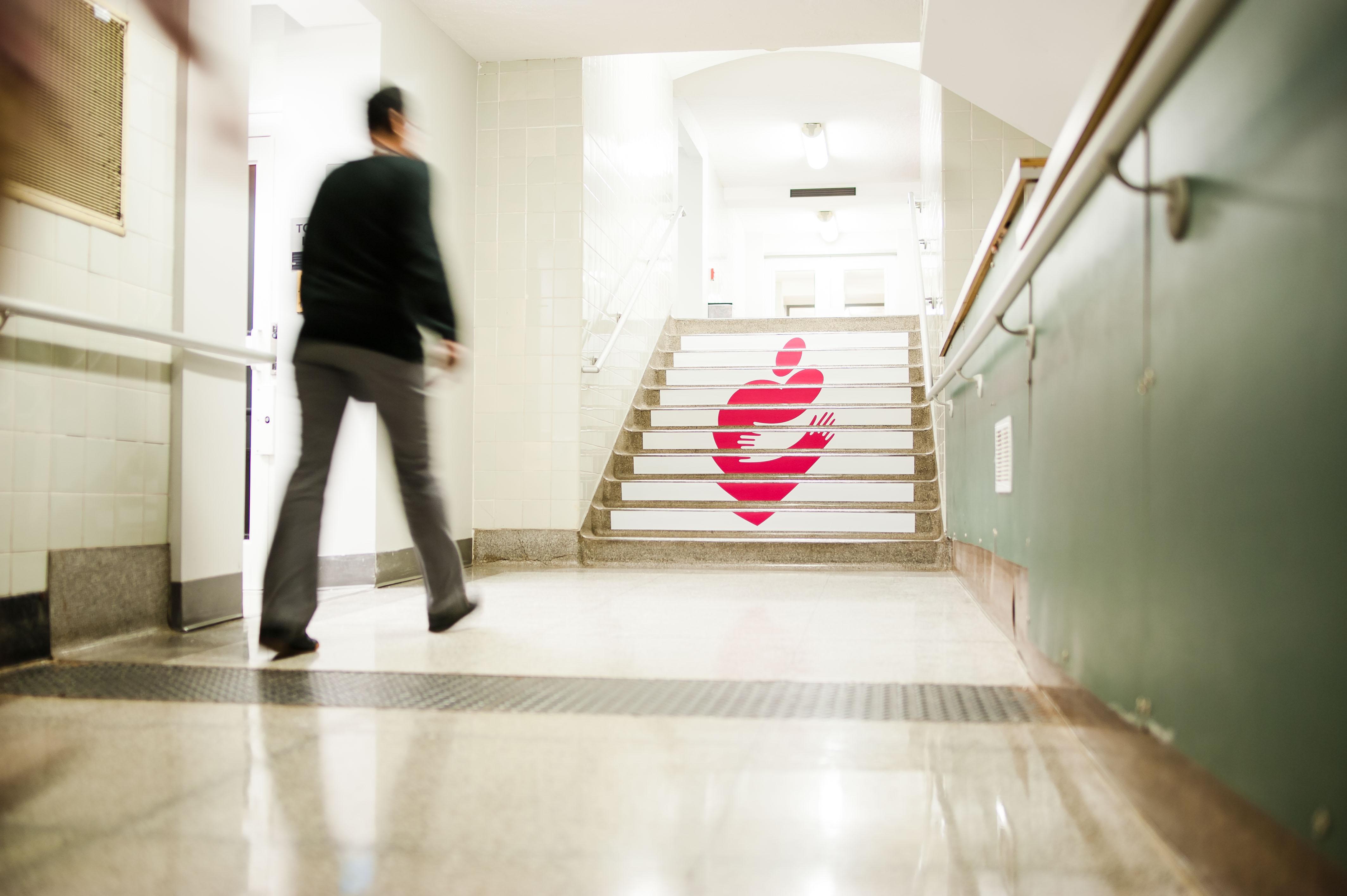 Huggy Heart stairs2